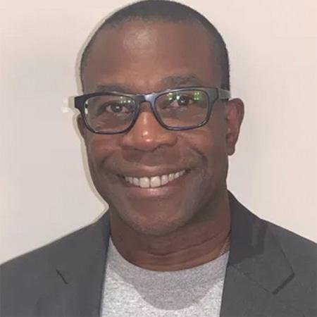 "<h5><span style=""color: #ffffff;"">Edward Nwokedi</span> <h6><span style=""color: #ffffff;"">Founder | CEO of RedSwan</span></h6>"